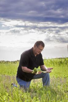 Man holding radish
